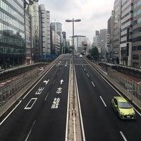 Photo taken at 希望の橋 (ブリッジ渋谷21) セルリアンタワー前歩道橋 by Papa P. on 6/26/2017