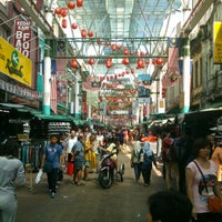 Photo taken at Petaling Street (Chinatown) by ser keat on 1/28/2013