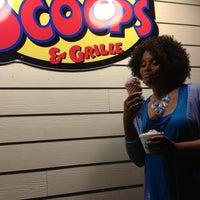 Foto diambil di Scoops Ice Cream & Grille oleh Darlene A P. pada 4/28/2013