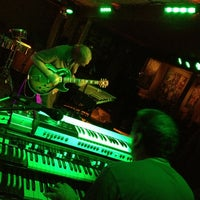 7/21/2013 tarihinde brian u.ziyaretçi tarafından Goodfoot Pub & Lounge'de çekilen fotoğraf