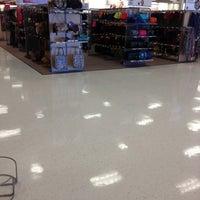 Das Foto wurde bei Target von Von G. am 10/20/2012 aufgenommen