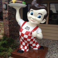 Photo taken at Frisch's Big Boy by Mike B. on 10/28/2012