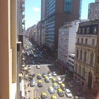 Foto tirada no(a) Avenida Corrientes por Diego J. em 11/8/2012