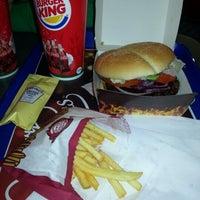 Das Foto wurde bei Burger King von Nejla am 11/29/2012 aufgenommen