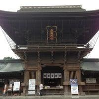 Photo taken at Hakozakigu Shrine by Masaaki N. on 6/1/2013