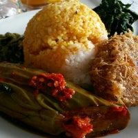 Photo taken at Restoran Simpang Raya by Jessica T. on 9/26/2015