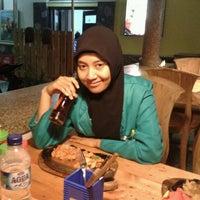 Photo taken at Kampoeng Steak by Ari Pebru N. on 9/12/2012