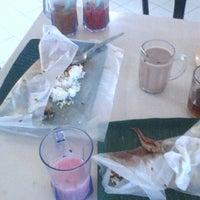 Photo taken at Restoran Gulai Wangi by Merida A. on 9/8/2013