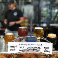 Foto tirada no(a) AleSmith Brewing Company por Jessie C. em 7/17/2017