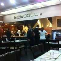 12/8/2012 tarihinde Arif K.ziyaretçi tarafından Beyoğlu Paça Beyran ve Kebap'de çekilen fotoğraf