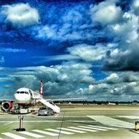 """Das Foto wurde bei Flughafen Berlin-Tegel """"Otto Lilienthal"""" (TXL) von Anna B. am 8/14/2013 aufgenommen"""