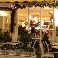 12/22/2012 tarihinde Sabriye Y.ziyaretçi tarafından Salon Salomanje'de çekilen fotoğraf
