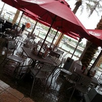 Photo taken at Johnny Rockets by ROSEQ8 on 12/25/2012