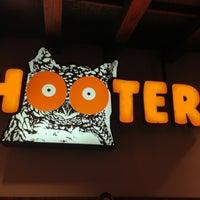1/28/2013に@FeyoReyes ✌.がHootersで撮った写真