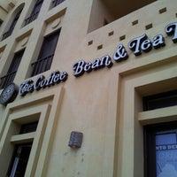 Foto tirada no(a) The Coffee Bean & Tea Leaf por Евгений В. em 10/18/2012