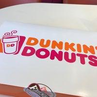 Das Foto wurde bei Dunkin' Donuts von Benjamin M. am 6/12/2017 aufgenommen