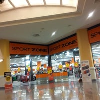 Photo taken at Sport Zone by Nini M. on 12/11/2012