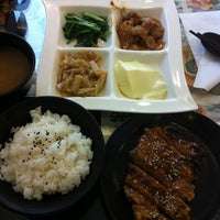 Photo taken at 況肉慶 by Johnny T. on 11/13/2012