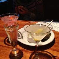 Foto scattata a Hillstone Restaurant da Maike G. il 1/10/2013