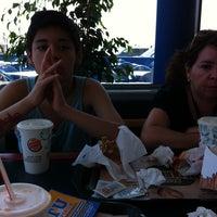 Foto tomada en Burger King por Dani M. el 1/16/2014