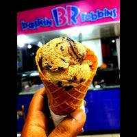 Photo taken at Baskin & Robins by Ludge I. on 3/1/2014