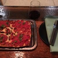 Foto scattata a Descendant Detroit Style Pizza da Cameron D. il 12/5/2016