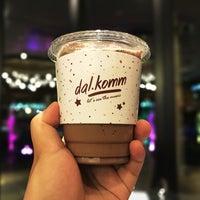 Photo taken at dal.komm COFFEE by Mohd Nashriq on 9/25/2017