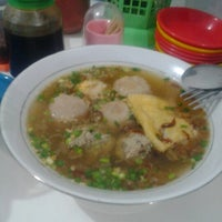 Photo taken at Bakso Sumsum Cak Hadi by Aisyah E. on 10/30/2012