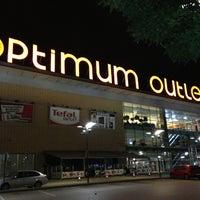 6/7/2013 tarihinde Hakanziyaretçi tarafından Optimum Outlet'de çekilen fotoğraf