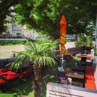 Das Foto wurde bei Monkeys cafe.bar von Monkeys cafe.bar am 7/21/2014 aufgenommen