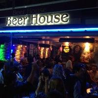 10/28/2012 tarihinde abdullahziyaretçi tarafından Beer House'de çekilen fotoğraf