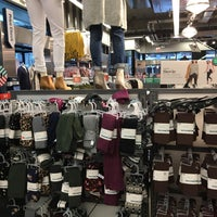 Photo taken at Old Navy by Ryan W. on 12/24/2017