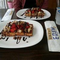 รูปภาพถ่ายที่ Waffle Edem 46 โดย Tuğçe S. เมื่อ 11/6/2012