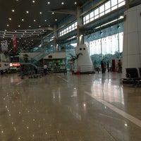 Photo taken at Chaudhary Charan Singh International Airport (LKO) by Ansh s. on 4/24/2013