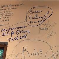 Foto tirada no(a) Aramızda Kalsın Mangal&Restaurant por özcan E. em 6/17/2018