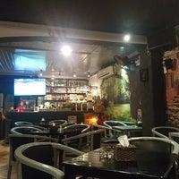 Photo taken at Cây Liễu Cafe by Ngoc Khang T. on 8/17/2017