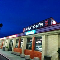 Photo taken at Nation's Giant Hamburgers by Jaime H. on 1/25/2016