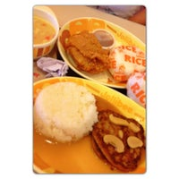 Photo taken at Jollibee by Sherwin C. on 12/20/2012