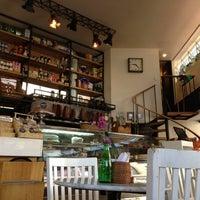 Photo prise au Caffé Toscano par Jorge C. le3/18/2013