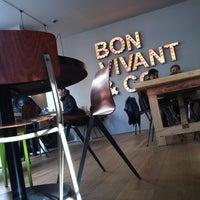 Foto tomada en Bon Vivant & Co. por Roger C. el 11/2/2013