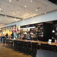 Foto tomada en Nationale-Nederlanden Douwe Egberts Café por Bojan H. el 8/16/2013