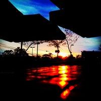 Foto tirada no(a) Deck Café por Gerald L. em 12/7/2012