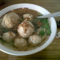 Photo taken at Bakso Pak Agus by Tantita V. on 9/21/2012