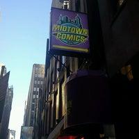 Foto scattata a Midtown Comics da Matthew W. il 5/4/2013