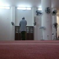 Photo taken at Masjid Kampung Kepayang by Saiful S. on 5/7/2013