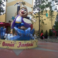 Foto diambil di Dunia Fantasi (DUFAN) oleh Uwie M. pada 11/5/2012