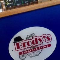 Photo taken at Brody's Burgers & Brews by Kathleen B. on 8/1/2016