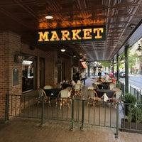 Foto tirada no(a) Market on Houston-Sheraton Gunter Hotel por Mike F. em 7/8/2017