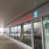 Photo taken at Shoppers Drug Mart by Sandeep Singh G. on 2/22/2017