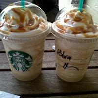 4/14/2013 tarihinde Kubra A.ziyaretçi tarafından Starbucks'de çekilen fotoğraf